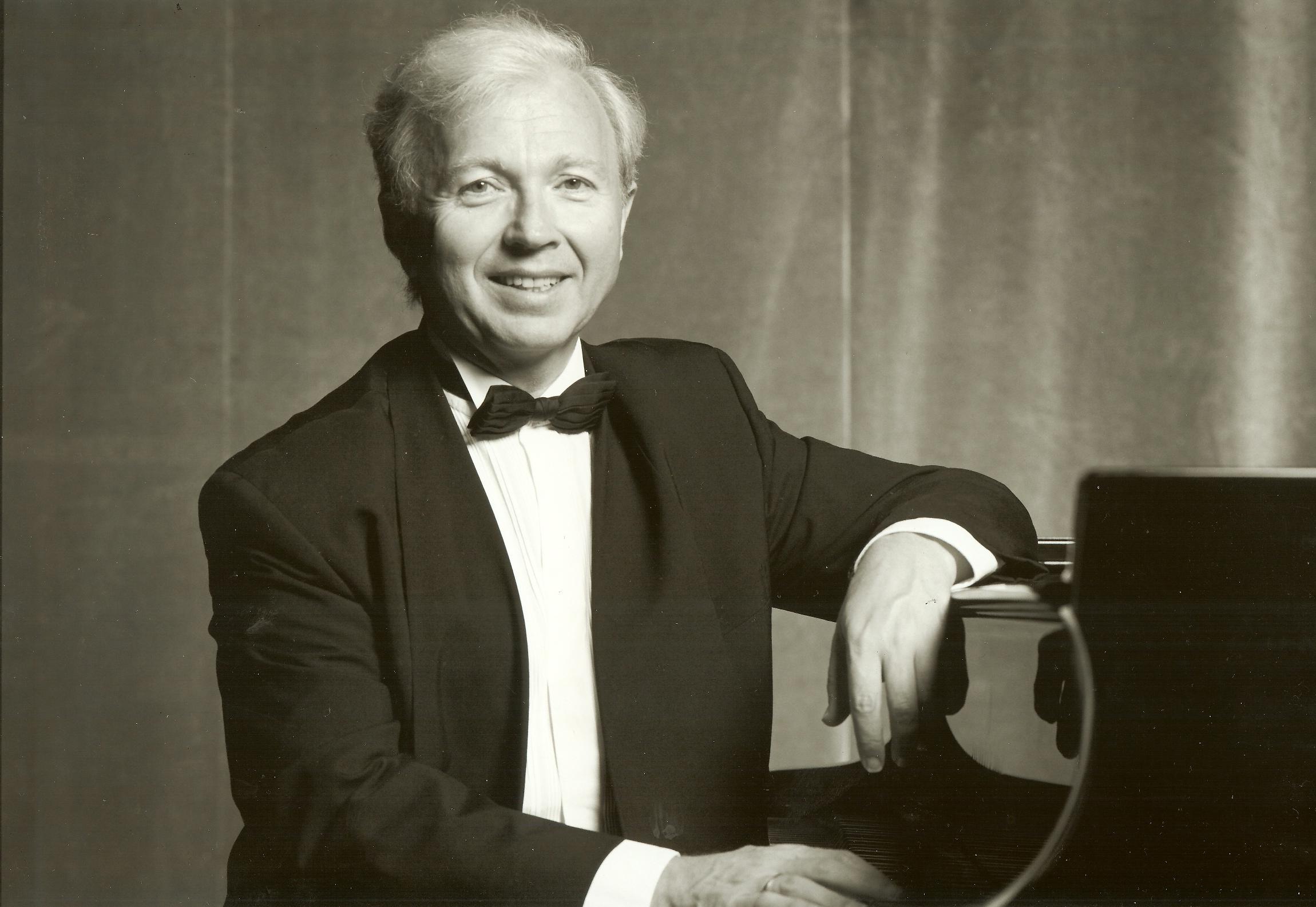 Pavel Gililov, klavír