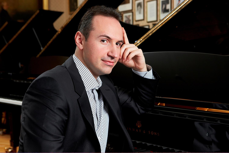 Simon Trpćeski, klavír