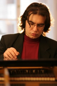 Matej Arendárik, klavír