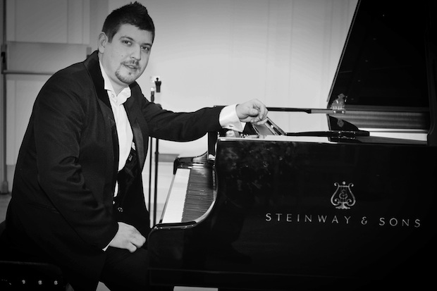 Peter Šándor, klavír
