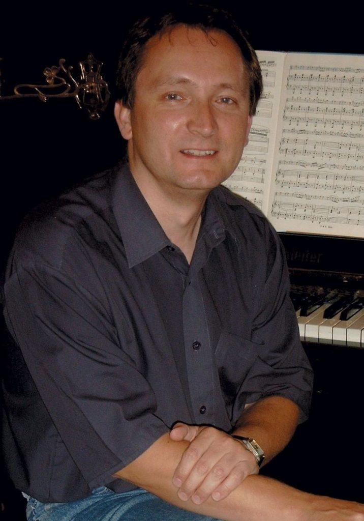 04-ivan-gajan-klavir
