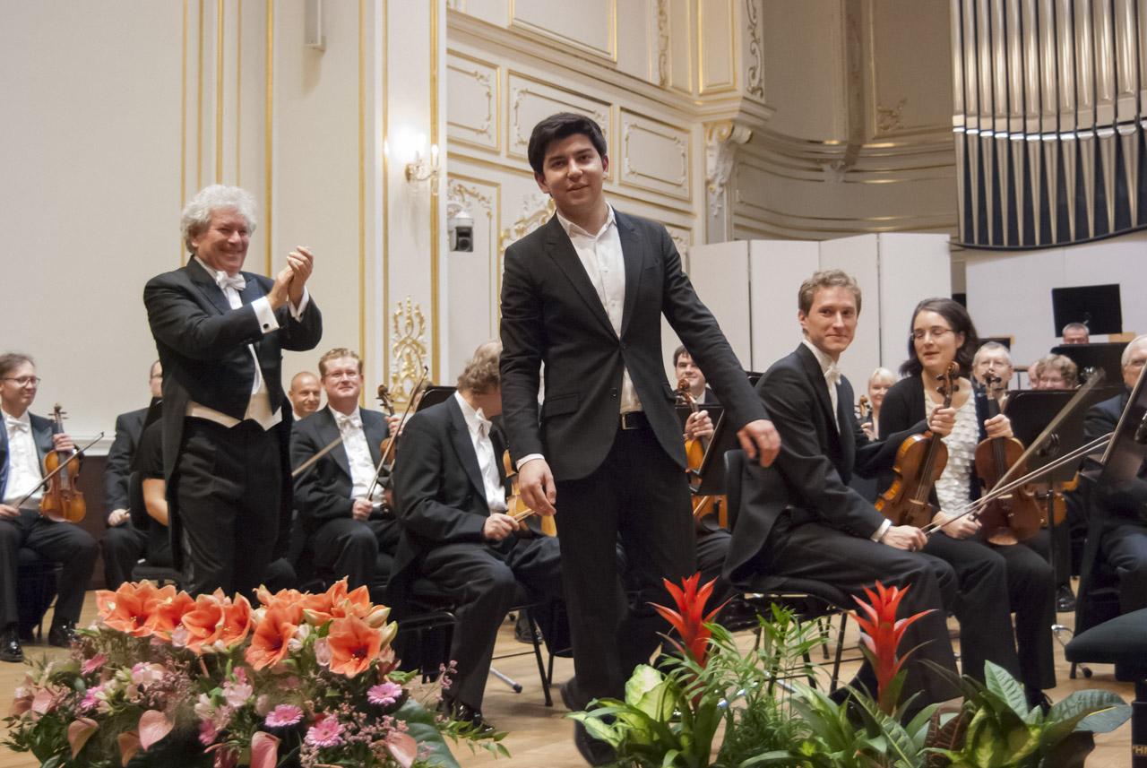 Česká filharmónia Jiři Bělohlávek Behzod Abduraimov © A Trizuljak