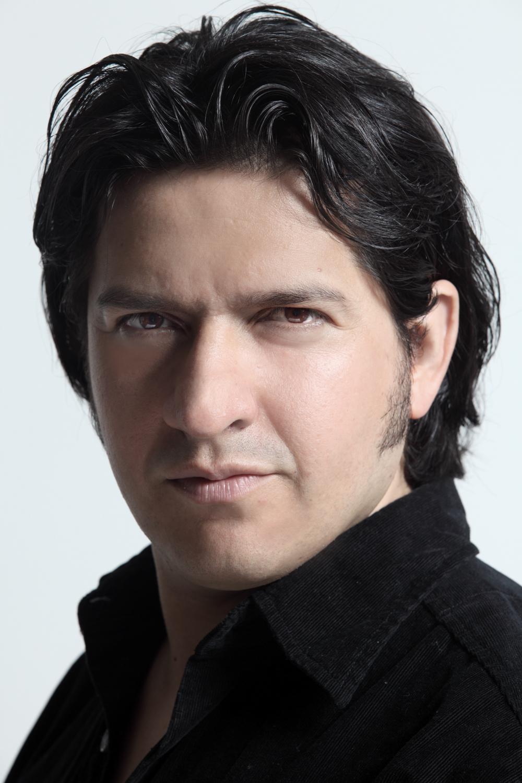 Oscar de la Torre, tenor